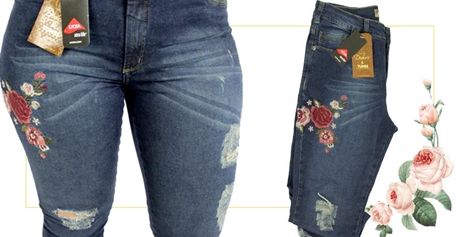 Detalhe da calça Lycra Vicunha bordada